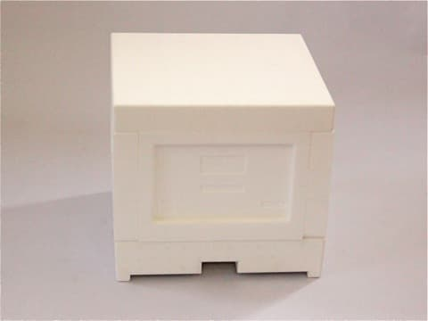 Miniplus aus Styropor kompl. aus  Boden mit Futterkammer und Lüftungsgitter, Zarge, 6 Rähmchen und Deckel